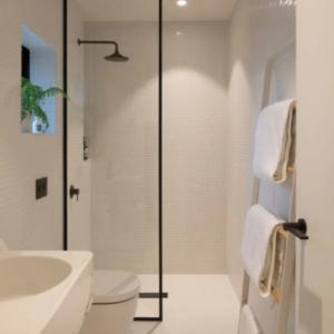 Bagno stile minimal,  Boccia Costruzioni